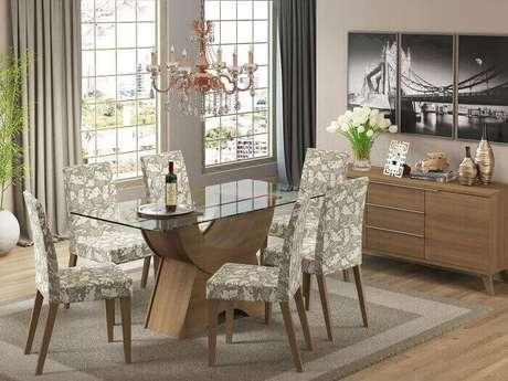 33. Mesa retangular com tampo de vidro e base de madeira. Fonte: Magazine Luiza