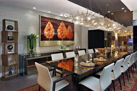 2. Ambienteencantador com presença dessa mesa de jantar retangular gigante. Fonte: Pinterest