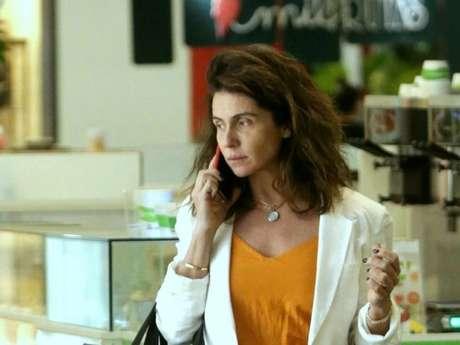 Giovanna Antonelli aposta em look despojado e elegante para ir às compras em lojas de luxo em shoppingo no Rio de Janeiro, nesta terça-feira, dia 30 de julho de 2019