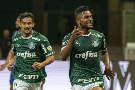 Borja (direita) voltou a marcar sobre o Godoy Cruz.