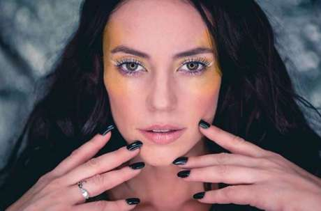 Paolla Oliveira: a atriz segue brilhando em A Dona do Pedaço e foi eleita o sorriso mais sedutor do folhetim. Todos amam Vivi Guedes.