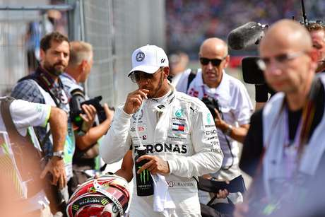 "Lewis Hamilton ""pronto para lutar"" com Max Verstappen pelo campeonato"