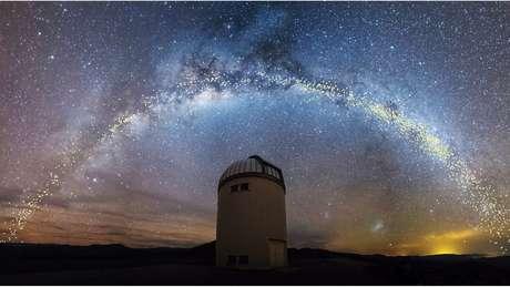 A pesquisa baseou-se em observações do telescópio OGLE, no deserto do Atacama (Chile)