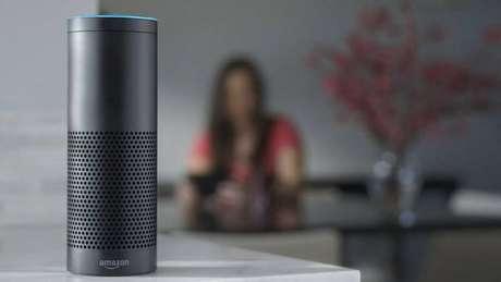 Alexa - A Amazon, também em 2014, resolveu apostar no Echo, uma caixa de som equipada com a assistente pessoal da empresa, a Alexa.