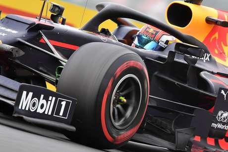 Red Bull lidera com Pierre Gasly sessão marcada por chuva na Hungria