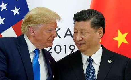 Os presidentes dos EUA, Donald Trump, e da China, Xi Jinping. 29/06/2019. REUTERS/Kevin Lamarque