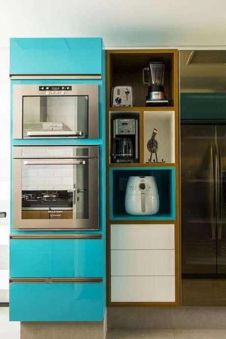 3. O forno elétrico de embutir pode trazer muita praticidade para o seu dia a dia – Foto: Casa Casada