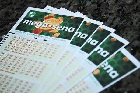 Mega-Sena pode pagar hoje prêmio de R$ 32 milhões