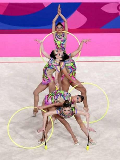 Meninas do Brasil são ouro na prova do conjunto de três arcos e dois pares de massas. (Ricardo Bufolin/CBG)