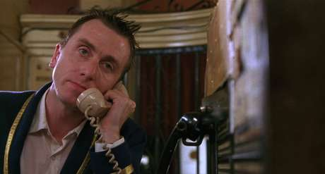 Tim Roth em 'Grande Hotel' (1995)
