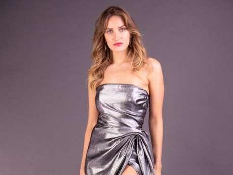 Vestido de festa online: em tecido com brilho, de Arthur Caliman, R$5.599,99