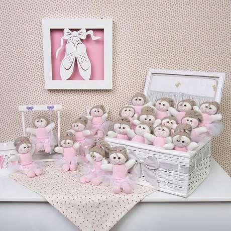 18. Bonequinhas de tecido como lembrancinhas de maternidade. Fonte: Blog Grão de Gente