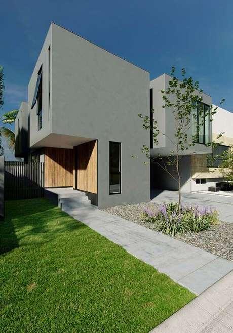 45. A casa pintada de cinza é moderna e atemporal