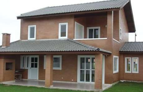 28. As casas pré fabricadas podem ser ainda mais lindas com o casa cinza.