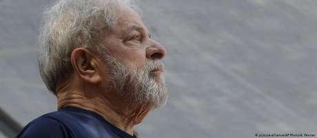 Ex-presidente Luiz Inácio Lula da Silva cumpre pena de mais de oito anos de prisão