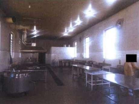 Cozinha da penitenciária, operada por presos