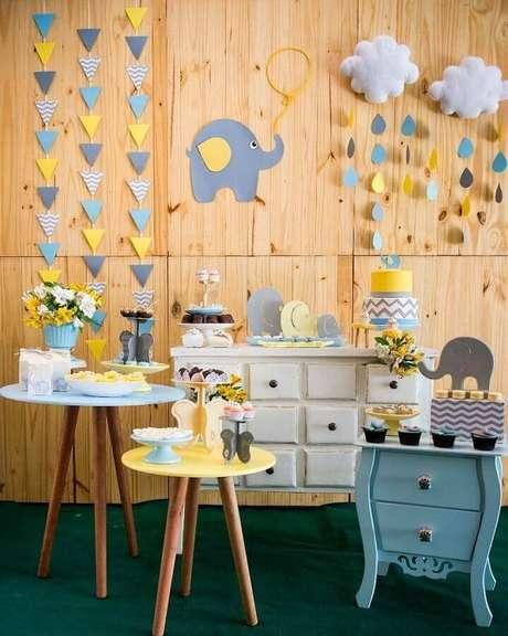48. Linda decoração simples e barata chá de fraldas com tema elefantinho – Foto: 3 em ação festas