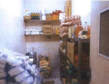 Sala onde são guardados os alimentos não-perecíveis utilizados