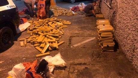 Polícia apreendeu1.524 tijolos de maconha