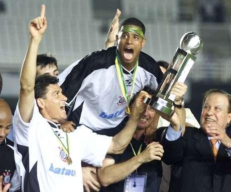 Marcelinho Carioca foi campeão mundial pelo Corinthians.