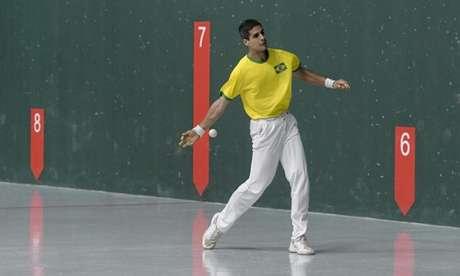 Filipe Otheguy conquista medalha inédita para o Brasil. (Washington Alves/COB)