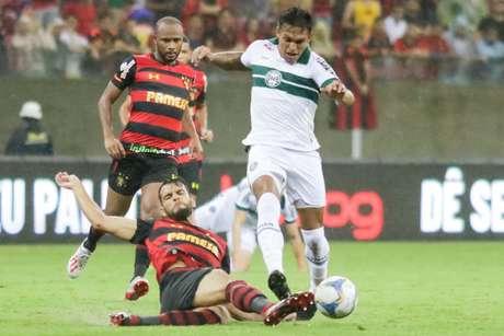 Lance da partida entre Sport e Coritiba, válida pela 14ª rodada da Série B do Campeonato Brasileiro 2019, na Arena Pernambuco