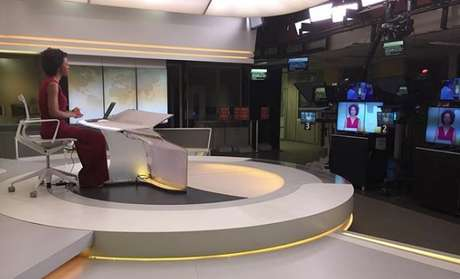 Maju no estúdio do JH em São Paulo: jornalista se torna titular dois anos após estrear no rodízio de apresentadores do telejornal vespertino