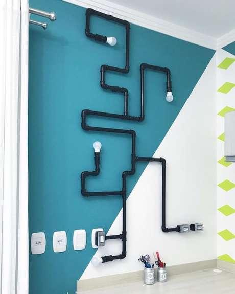 24. Combinações interessantes podem ser feitas a partir das peças utilizadas em uma instalação elétrica. Foto: Pinterest