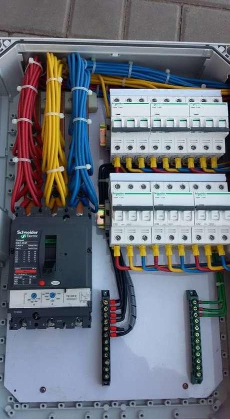 7. Existe a instalação elétrica residencial, a predial e a comercial. Foto: Electrica Tecnology