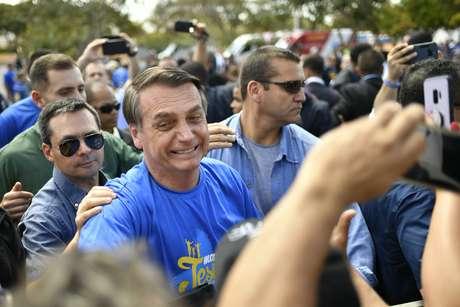 Bolsonaro participa da Marcha para Jesus realizada em Brasília (DF), neste sábado (10)