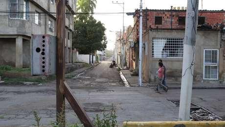 A realidade de Lechería contrasta com a da vizinha Puerto La Cruz, antigo centro de produção petrolífera e destino turístico, bastante atingida pela crise na Venezuela.