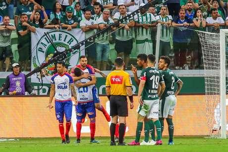 Palmeiras e Bahia empataram em 2 a 2