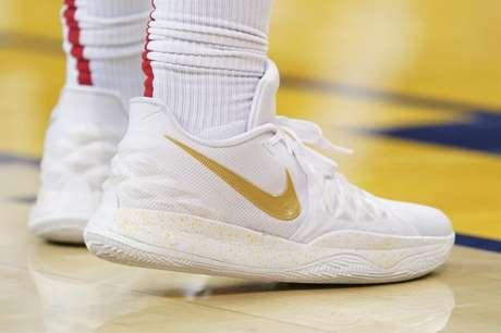 Tênis da Nike usado por jogador do time de basquete norte-americano Houston Rockets. 28/4/2019. Mandatory Credit: Kyle Terada-USA TODAY Sports