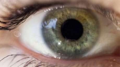 Teste analisa olhos para detectar quando pessoa está mentindo