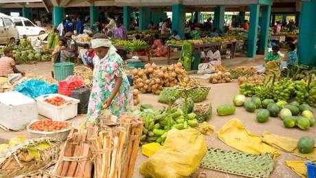 Em Vanuatu, os homens retiram os salários das mulheres