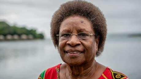 'Os homens decidem tudo em Vanuatu', diz Hilda Lini