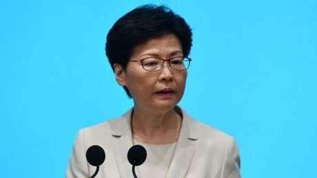 Alguns manifestantes pedem a renúncia da líder de Hong Kong, Carrie Lam