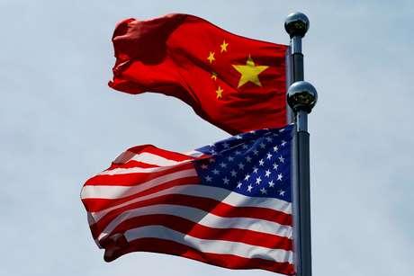 Bandeiras de Estados Unidos e China 30/07/2019 REUTERS/Aly Song