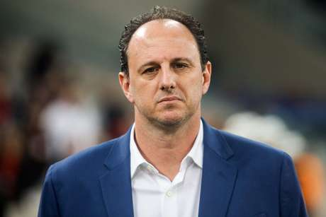 Rogério Ceni de 46 anos, assumirá o comando do Cruzeiro