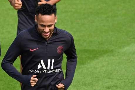 Neymar se aproxima do Barcelona (Foto: Dominique Faget / AFP)