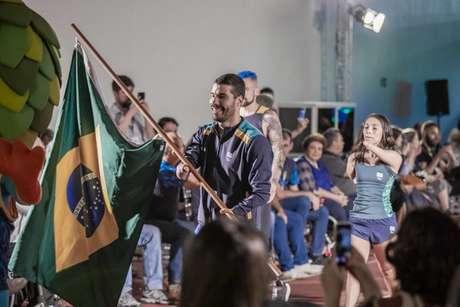 Daniel Dias no desfile dos uniformes do CPB para o Parapan de Lima (Foto: Daniel Zappe/Exemplus/CPB)