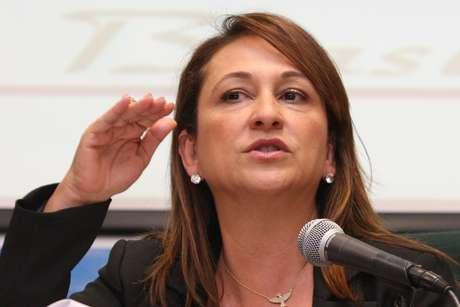 Líder da bancada ruralista diz que Kátia Abreu (foto) 'muda de opinião como troca de blusa'