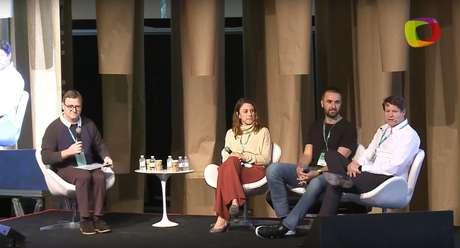 """A palestra """"O poder das startups de transformar o Brasil"""", no festival blastU"""