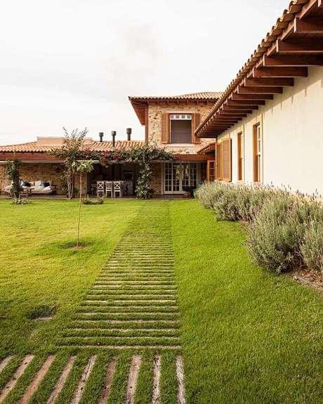 34. Exemplo de telha colonial na casa – Por: Revista VD