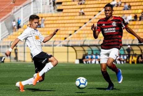 Flamengo venceu por 4 a 3 o jogo de ida, no Pacaembu, em São Paulo (Foto:Reprodução)