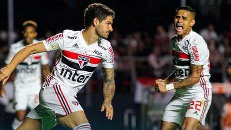 Alexandre Pato marcou dois contra o Santos e aumentou os números do ataque tricolor (Foto: Reprodução/Twitter)