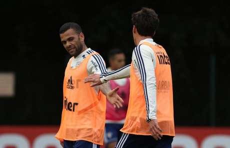Daniel Alves tem treinado bem no São Paulo - FOTO: Rubens Chiri/saopaulofc.net