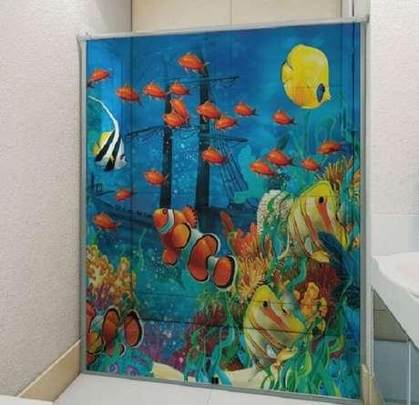 9. Adesivo para box de banheiro funda do mar. Fonte: Pinterest