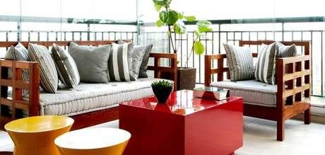 33. Mais um exemplo de piso para varanda simples. Projeto de Fantin & Siqueira Arquitetos