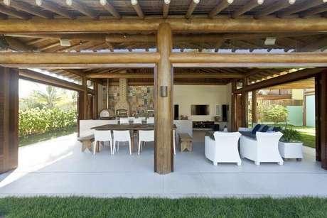 5. O piso para varanda coberta é mais simples. Projeto de Espaço Gourmet
